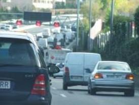 Retenciones en las principales carreteras desde primera hora
