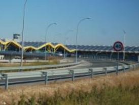 CGT convoca un encierro de 48 horas en Barajas por la