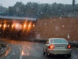 La previsión meteorológica vuelve a fallar en un día de caos a las carreteras