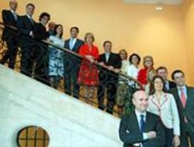 Los consejeros del segundo gobierno de Aguirre toman posesión de sus cargos