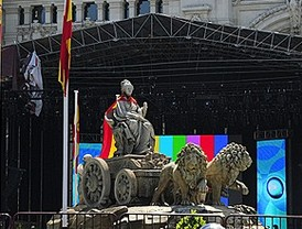 Madrid se prepara para celebrar el triunfo de 'La Roja'