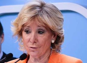 Esperanza Aguirre detras Ignacio Gonzalez