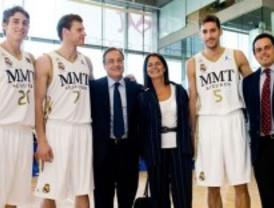 Adrados visita a los nuevos jugadores del Real Madrid de baloncesto