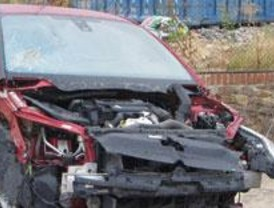 Cierran un taller que arreglaba coches siniestrados con piezas robadas y los vendía