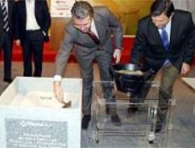 Granados pone la primera piedra de la Comisaría en Villanueva de la Cañada