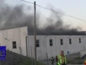 Extinguido el incendio registrado en una nave municipal en Villaverde