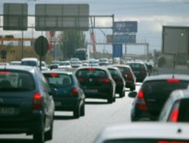 Las carreteras madrileñas sufren las primeras retenciones, en especial la A-6, la A-1 y la A-5