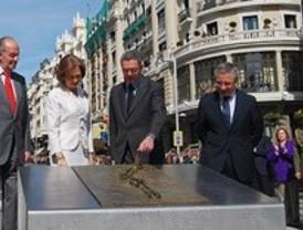 Los Reyes celebran el centenario de la Gran Vía