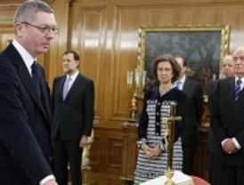 Los ministros de Rajoy juran su cargo ante el Rey