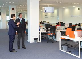 Fernández Rubio visita la oficina de la compañía Alphabet