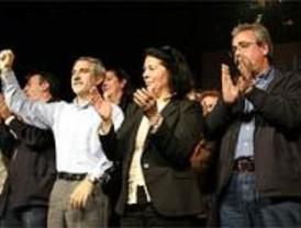 IU recalca que busca el cambio, no el pacto con el PSOE