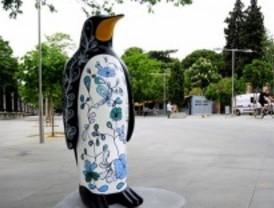 Sala Retiro subasta los 20 pingüinos gigantes