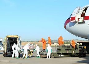 Repatriación del misionero Miguel Pajares contagiado de ébola en la base aérea de Torrejón.