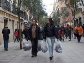 Las rebajas llegan a los escaparates madrileños
