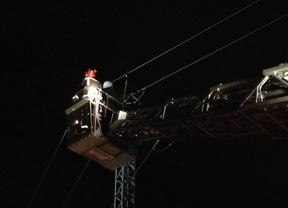 Fallece una joven electrocutada en una torre de alta tensión en Villalba
