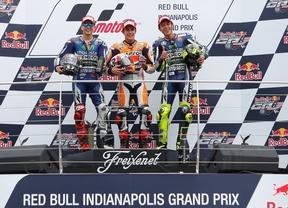 Márquez hace historia en Indy e iguala a los míticos Agostini y Doohan