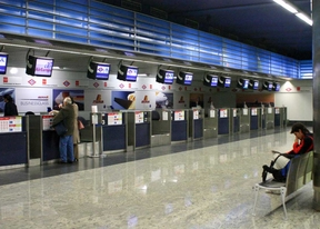Detenidos por estafar 140.000 euros en billetes de avión