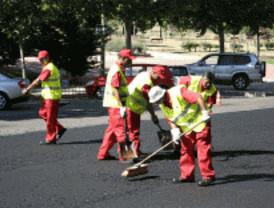Comienza el asfaltado de las calles de Retiro, Moncloa, San Blas, Usera y Moratalaz