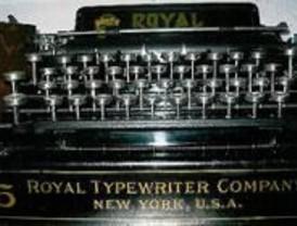 Una exposición muestra más de 60 máquinas de escribir antiguas
