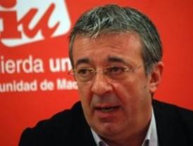 El lider de IU llama a Aguirre