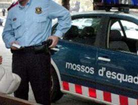Detenidos tres neonazis por dar una paliza a un joven ecuatoriano en Barcelona