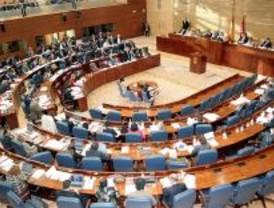 El dictamen exculpatorio de los espías va a Pleno mientras la Fiscalía sigue investigando