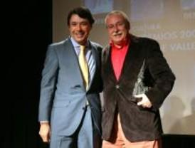 Joaquín Leguina recibe el Premio Vallecas de Oro
