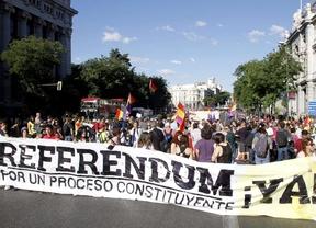 La petición de referéndum sobre el modelo de Estado vuelve a recorrer las calles