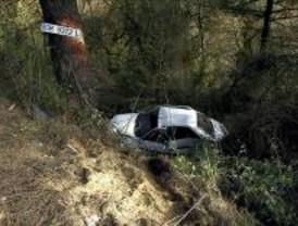 Fallece un hombre al salirse su coche de la M-45