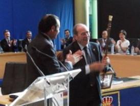 El socialista Manuel Robles repite como alcalde en Fuenlabrada gracias al apoyo de IU