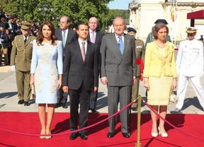 Los Reyes reciben con honores al presidente de México