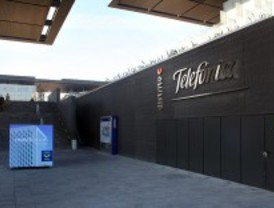 Telefónica plantea despidos y PC City cierra todas sus tiendas en España