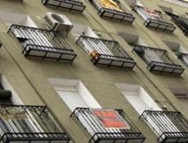 La caída de 3,7 puntos del euríbor favorecerá a las hipotecas que se revisen en julio