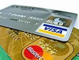 Cinco nigerianos detenidos por comprar por Internet con tarjetas de crédito falsas