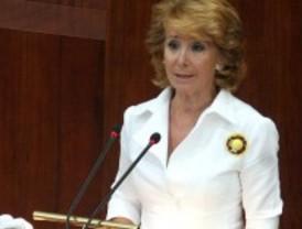 Aguirre asegura que ella destapó el Gürtel y pide al PSOE que también aparte a sus imputados