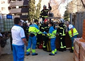Herido un obrero al caerle encima un muro en Ciudad Lineal