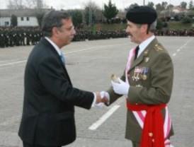 La Brigada de Infantería concede el título de 'Soldado Acorazado de Honor' a José Folgado