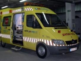 Herido grave un motorista al chocar con un coche en Lozoya