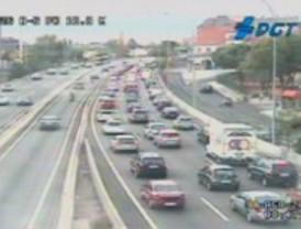 Tráfico muy intenso en las carreteras madrileñas