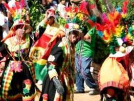 Bolivia celebra sus 'Fiestas Patrias' en el Parque de Atracciones