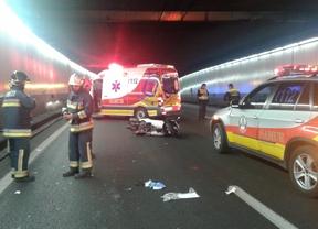 Herido grave un motorista al chocar contra un muro en un túnel de la M-30