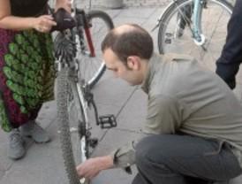 La Fundación Movilidad inicia un proyecto para llevar bicis a los campamentos saharauis