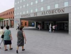 Bomberos de Alcorcón enseñan en el Hospital cómo actuar ante un incendio