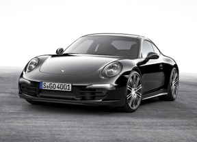 Los Porsche Boxster y 911 Carrera se visten de negro