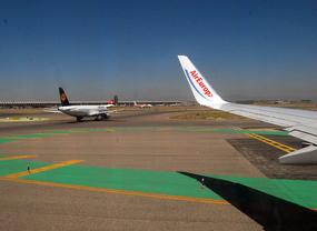 Las aerolíneas de Barajas programan 2.730 operaciones este fin de semana