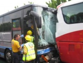 El conductor del autobús que chocó en la M-30 evoluciona bien