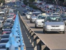 Dos accidentes de tráfico al arranque de la operación especial