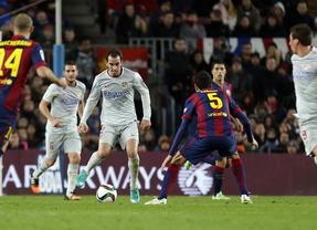 Messi da ventaja al Barcelona en una ida brusca
