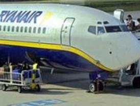 Protestas en Barajas por sendos incidentes en vuelos de Ryanair y Air Comet