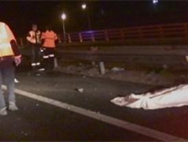 Un motorista muere y una pareja herida en dos accidentes este sábado